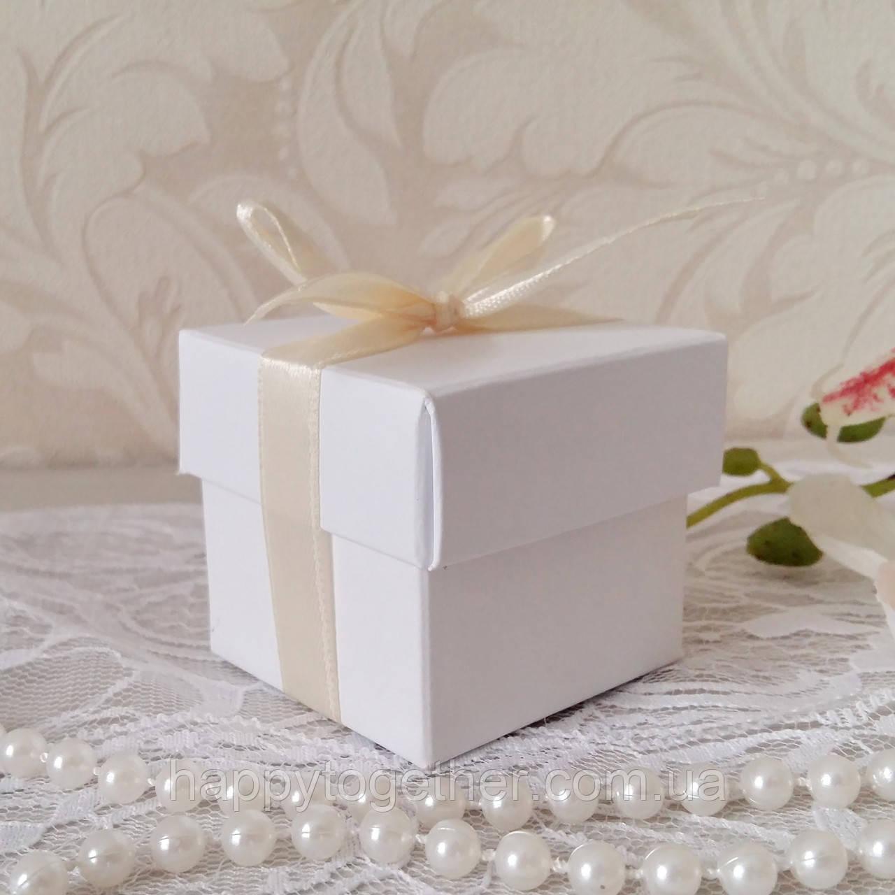 Бонбоньєрка коробочка з кришечкою біла