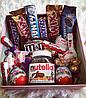 Подарочный бокс девушке со сладостями