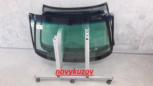 Скло лобове/вітрове на Toyota Land Cruiser Prado 120