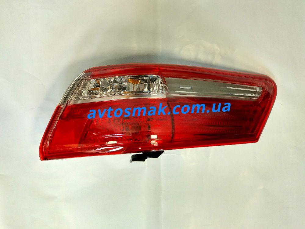 Фонарь задний для Toyota Camry V40 '06-11 правый (DEPO) внешний