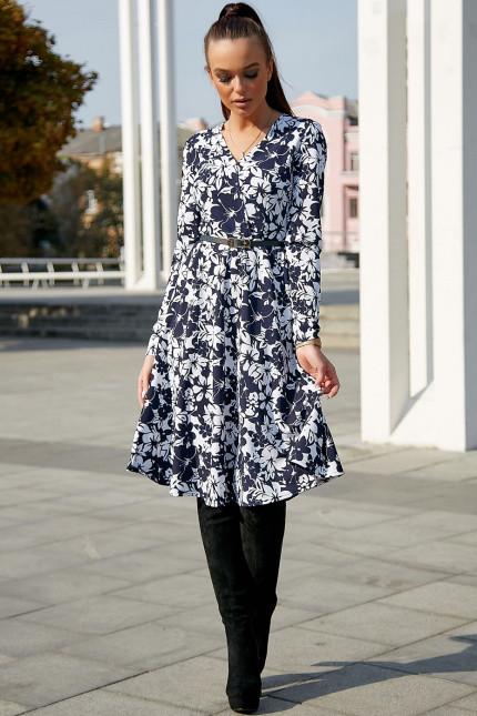 Повседневное платье с цветочным принтом средней длины цвет темно-синий с белым