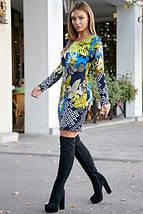 Короткое платье по фигуре с цветочным принтом цвет т.-синий с бирюзой, фото 2