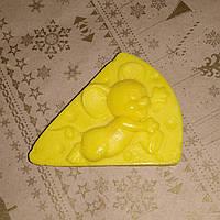 65 г. Мыло ручной работы мышь сырная. Яркий сюрприз под елочку в сочельник