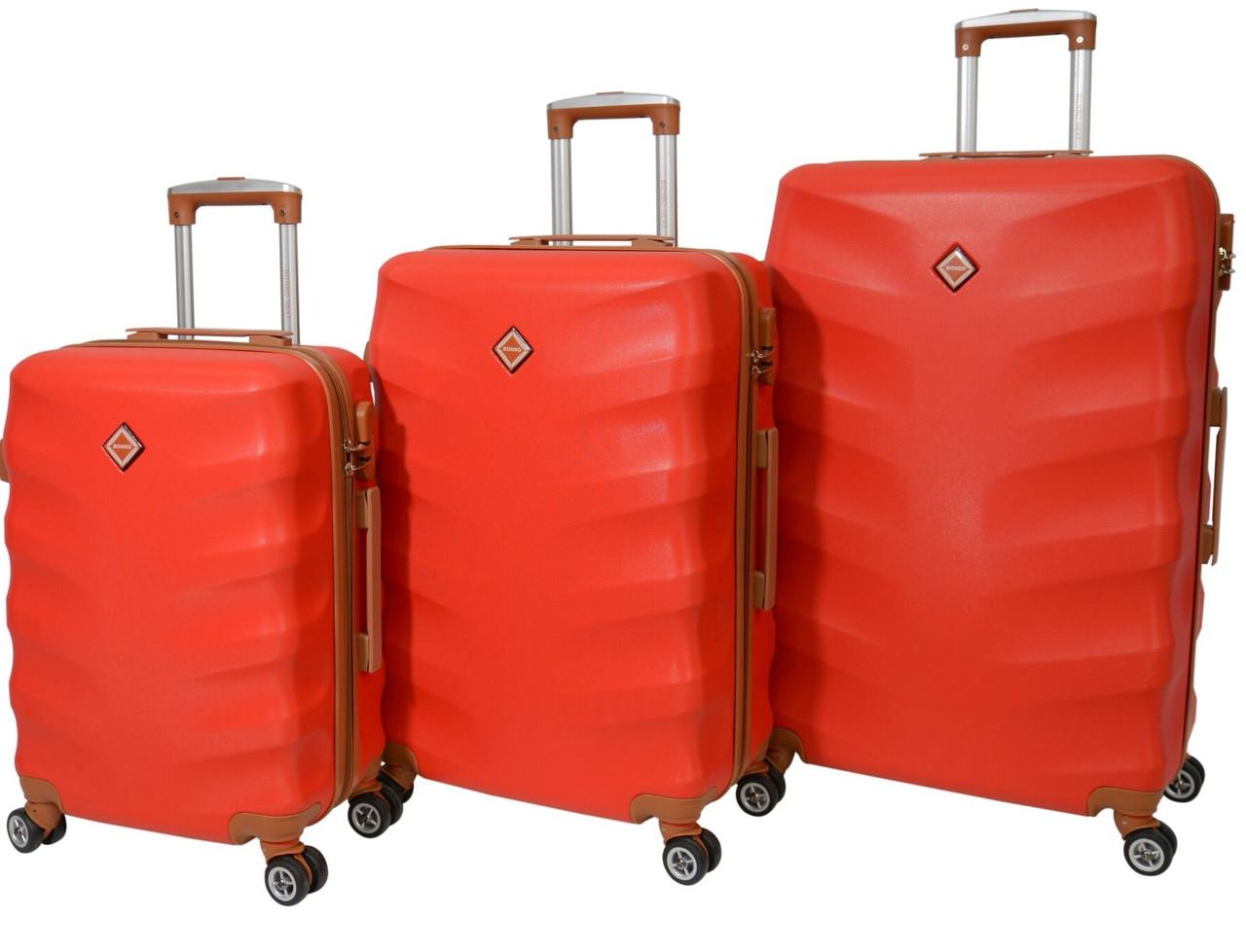 Чемодан Bonro Next набор 3 штуки. Цвет красный.