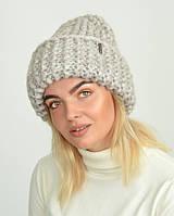 Жіноча шапка з товстої пряжі