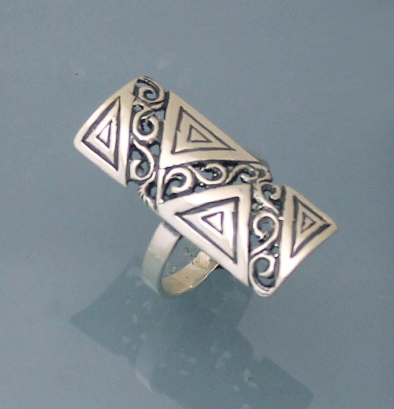Кольцо из серебра 925 пробы .