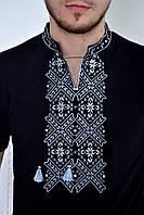 Мужская вышиванка в серо-белых тонах