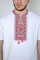 Мужская вышиванка-футболка с классическим орнаментом
