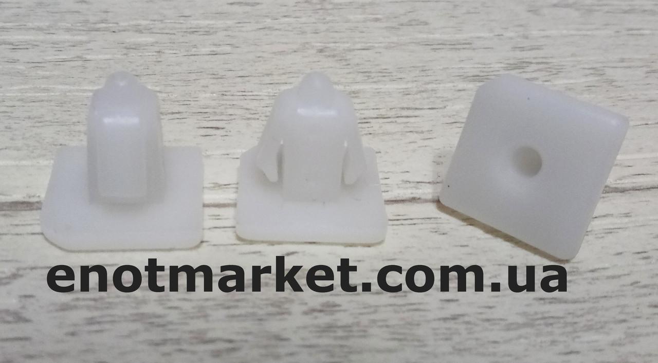 Крепление порогов, вставка с прямоугольной шляпкой Kia (3.2 мм). ОЕМ: 8775837000, 87758-37000