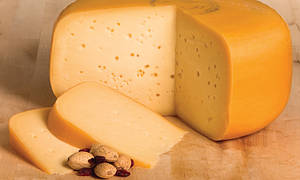 Сыр твёрдый ГАУДА 50% жирности (Каланчатский) 1кг