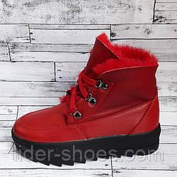 Женские ботинки на меху красного цвета