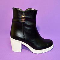 Кожаные женские ботинки на устойчивом каблуке, на байке., фото 1