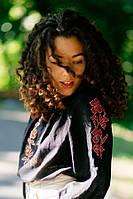 Изысканная женская вышиванка черного цвета с рукавом реглан «Черный ангел»