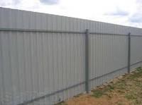 Забор из металла профнастила