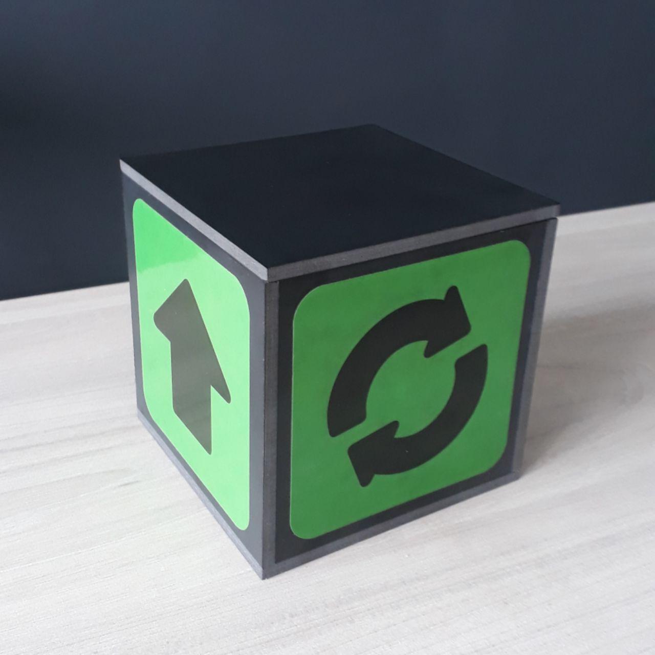 Реквізит для фокусів | Дивовижний Чарівний куб (Mysterious Cube)
