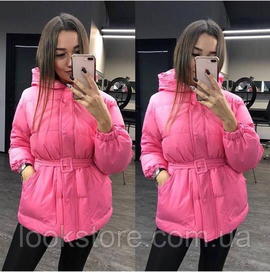Женская объемная куртка в стиле Ленки с поясом розовая