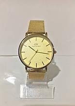 Женские наручные часы Daniel Wellington (Даниэль Веллингтон), золотистый цвет