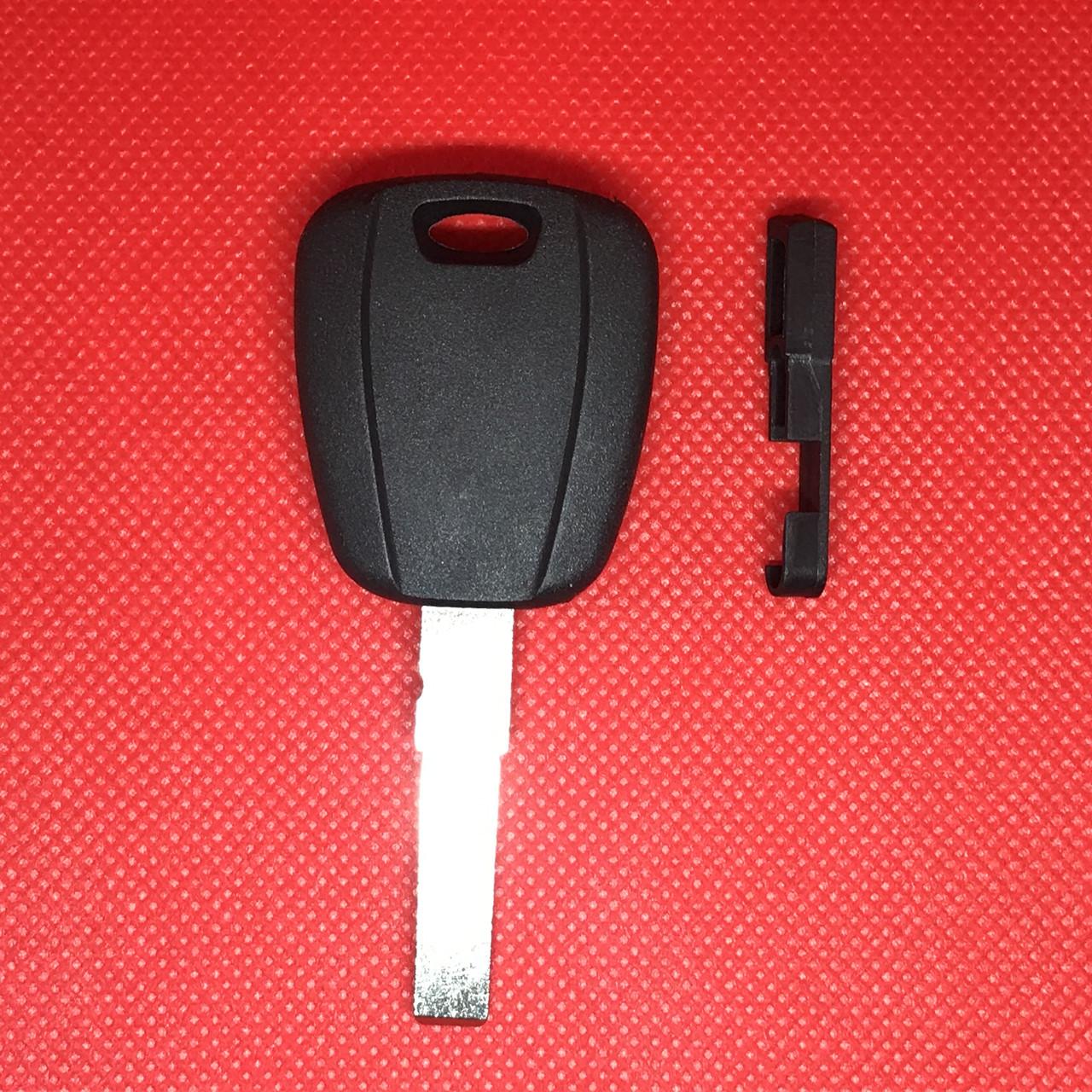 Корпус авто ключа под чип для Fiat (Фиат) с лезвием SIP22 черный
