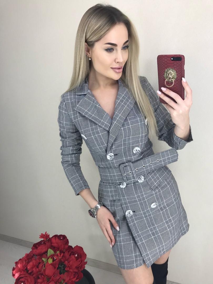 Платье-пиджак в клетку с широким поясом