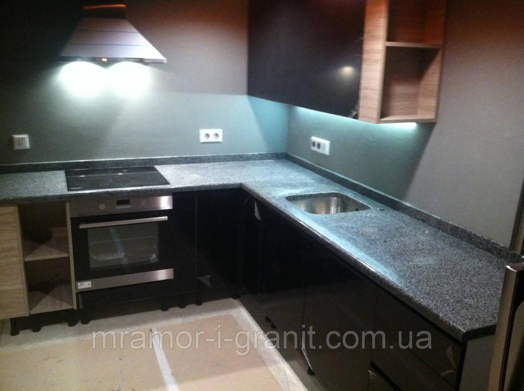 Столешница для кухни из серого гранита