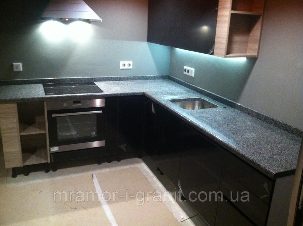 Столешница для кухни из серого гранита 1
