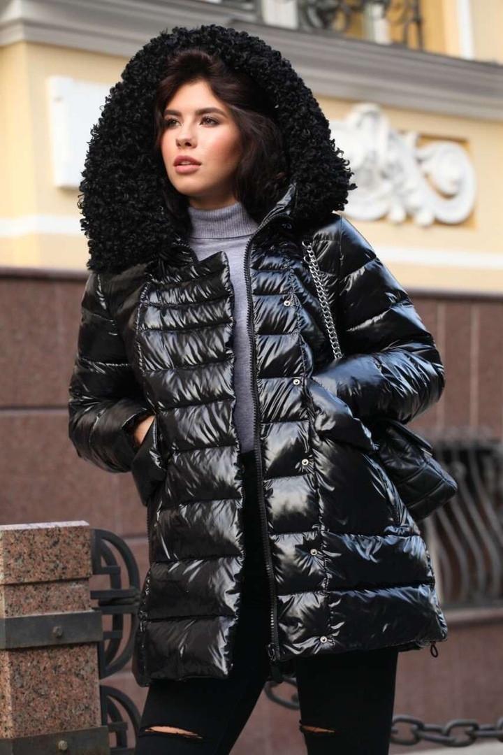 Зимняя удлиненная куртка с мехом каракуль