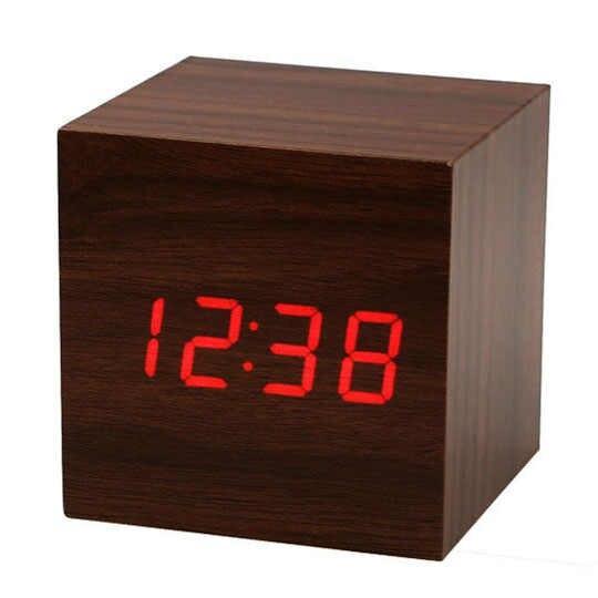 Годинники електронні, у формі куба, дерево, A415