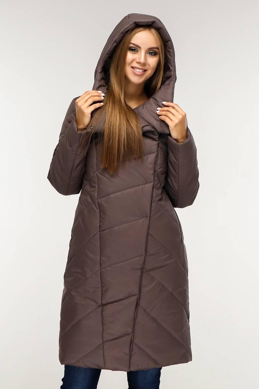 Пуховик  зимний, выполнен  из плащевой ткани, полуприлегающего силуэта с втачными рукавами с 44 по 58 размер
