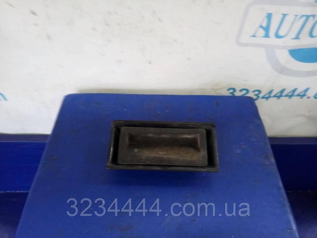 Кнопка открытия багажника Volkswagen Jetta USA 10-17