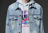 Рваная джинсовая курточка с нашивками светло синяя мужская, фото 3