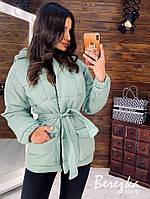 Тёплая курточка с капюшоном