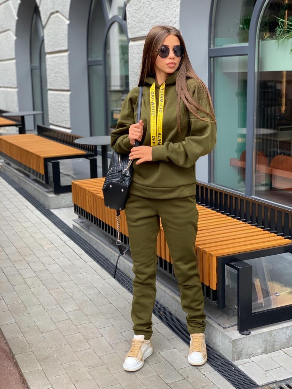Женский теплый спортивный костюм из трехнитки с худи 63spt788