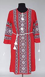 Вязаное платье вышиванка красного цвета с белым орнаментом