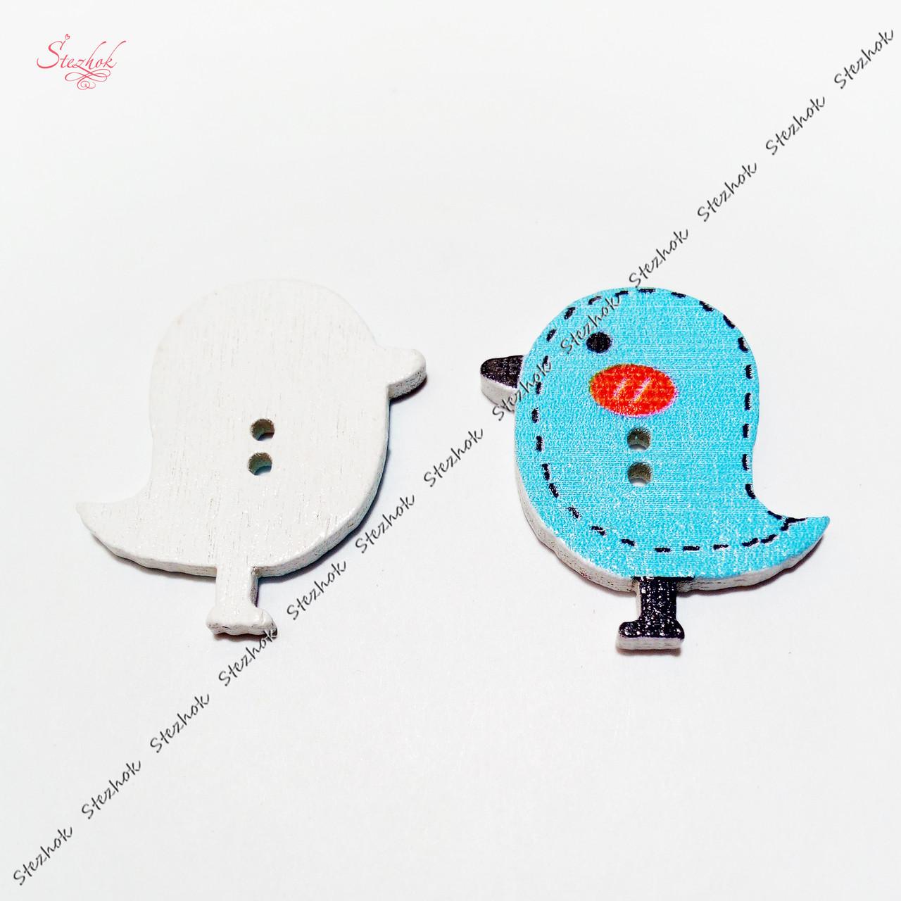 Деревянные пуговицы птица 26х24 мм для рукоделия цвет голубой