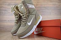 Зимние женские сапоги Nike, бежевые