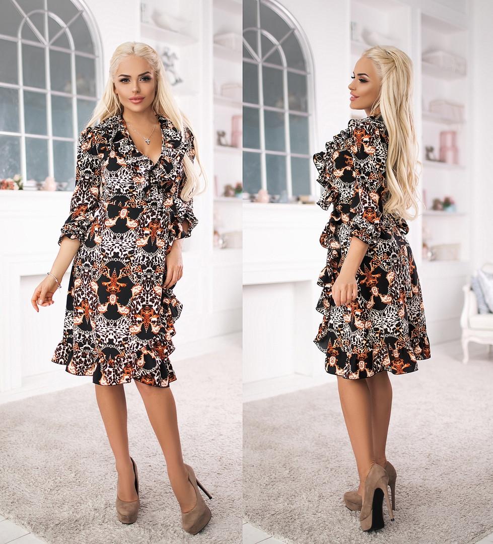 Женское платье из софта с воланами