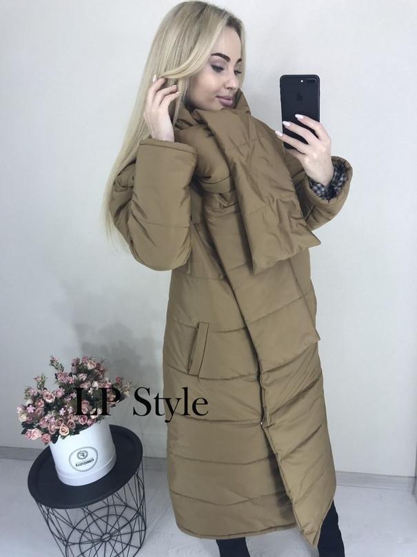 Стильное осеннее дутое длинное стеганное пальто на синтепоне свободного кроя с капюшоном и поясом-шарфом