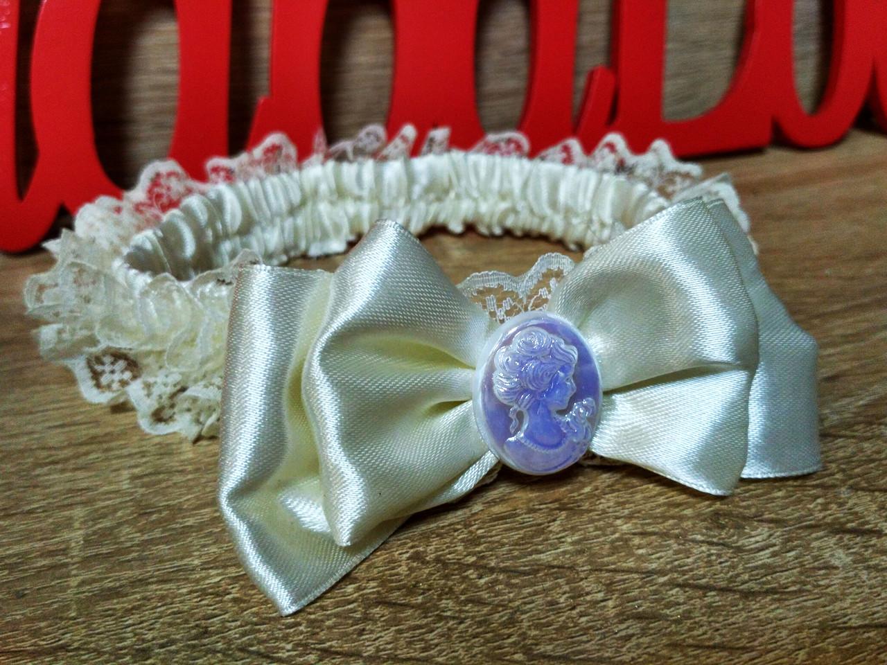 Подвязка для невесты Камелия. Цвет айвори.