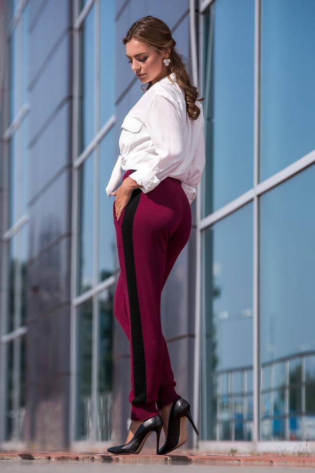 Вязаные брюки с лампасом (марсала, черный)