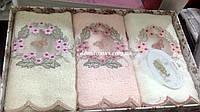 """Набор полотенец в подарочной упаковке 3D вышивка """"Бабочка и цветы""""  30*50 см (100 % бамбук) Puppila, Турция"""