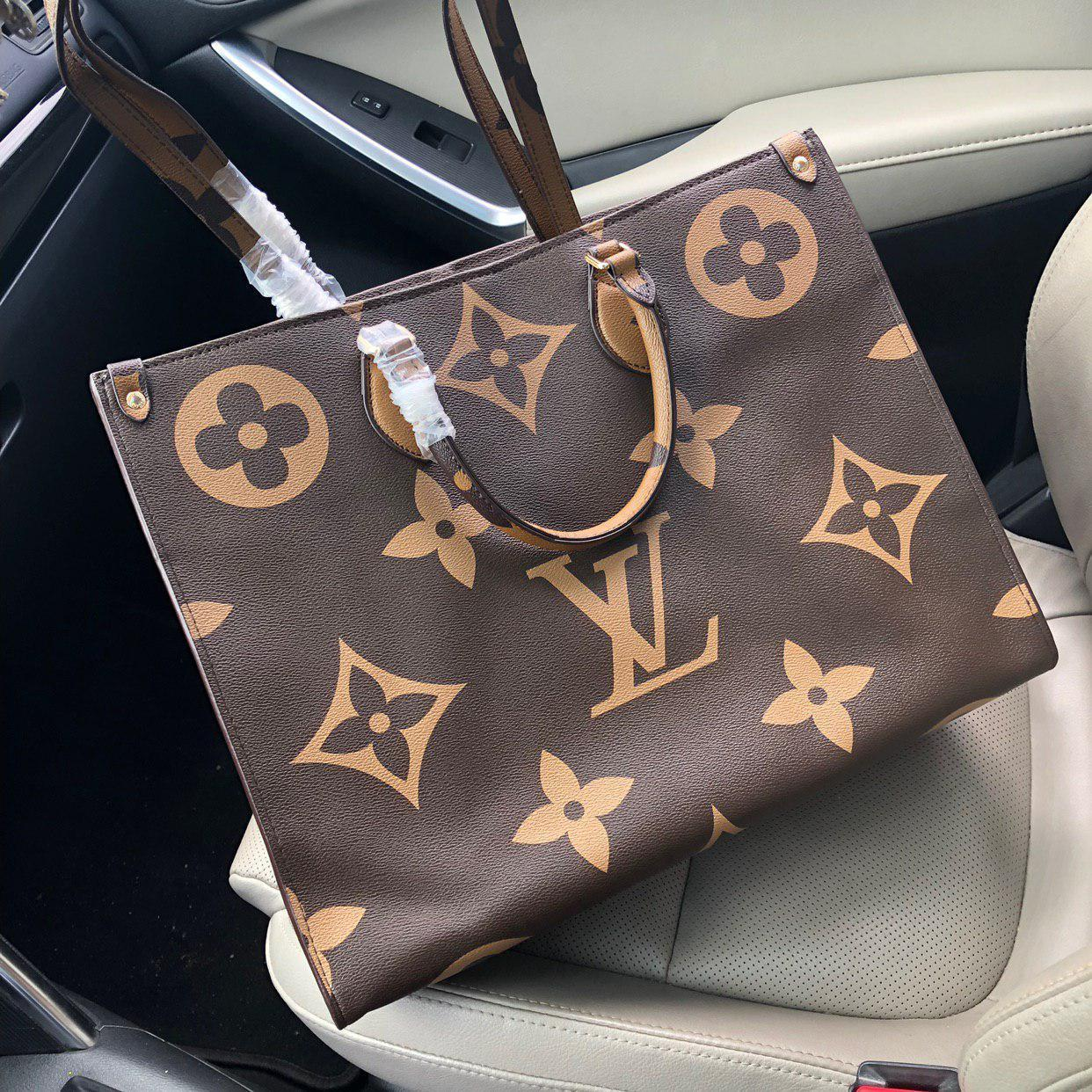 Сумка копия Louis Vuitton.