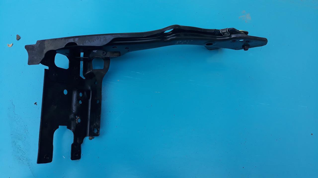 Кронштейн левый рамка панель левая фары мерседес 211 Mercedes W211 A2116200316