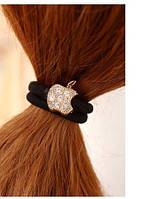 """Резинка  """"Лайт"""" для волос, черная простая с украшением в виде яблока ."""