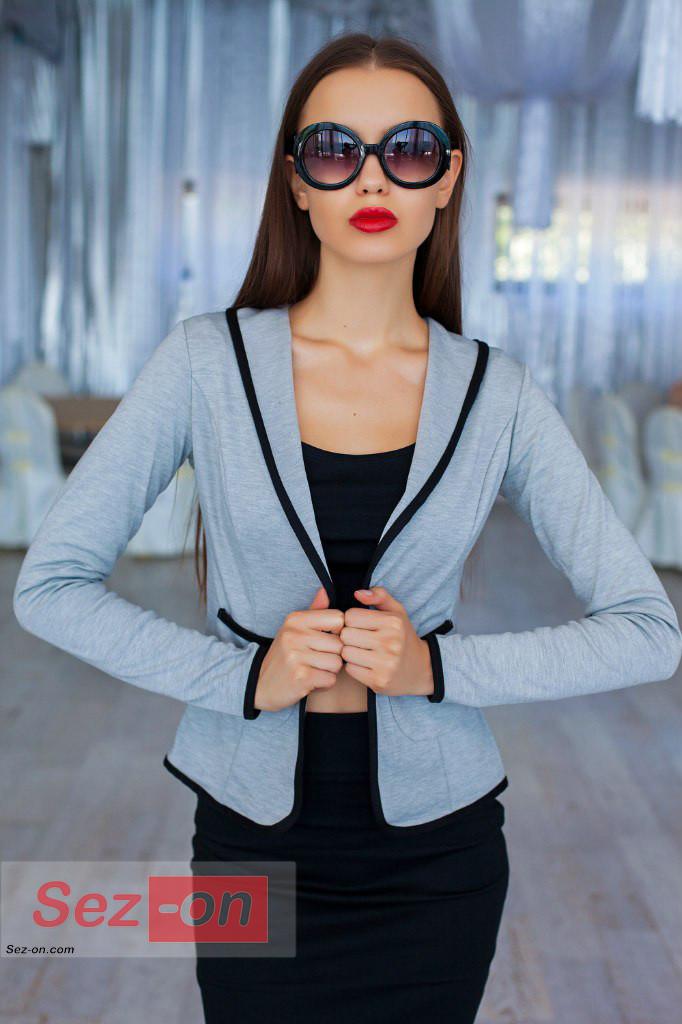 Піджак жіночий без підкладки, з кишенями