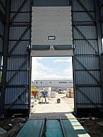 Секционные промышленные ворота - вертикальный подьем с окном DoorHan ш3500мм, в3500мм, фото 2