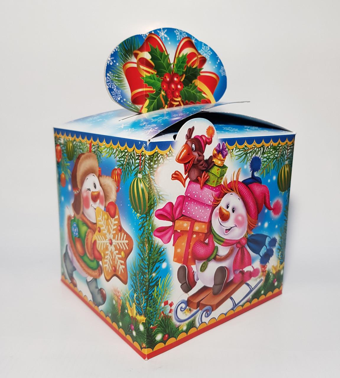 Упаковка Новый год Коробка Куб Снеговики на 700 гр.