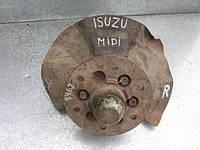 Поворотный кулак правого переднего колеса на Isuzu Midi 1988-1996 год (цапфа+ступица)