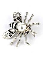 БР4300-3 Брошь муха с жемчужиной 4,2х3,5см