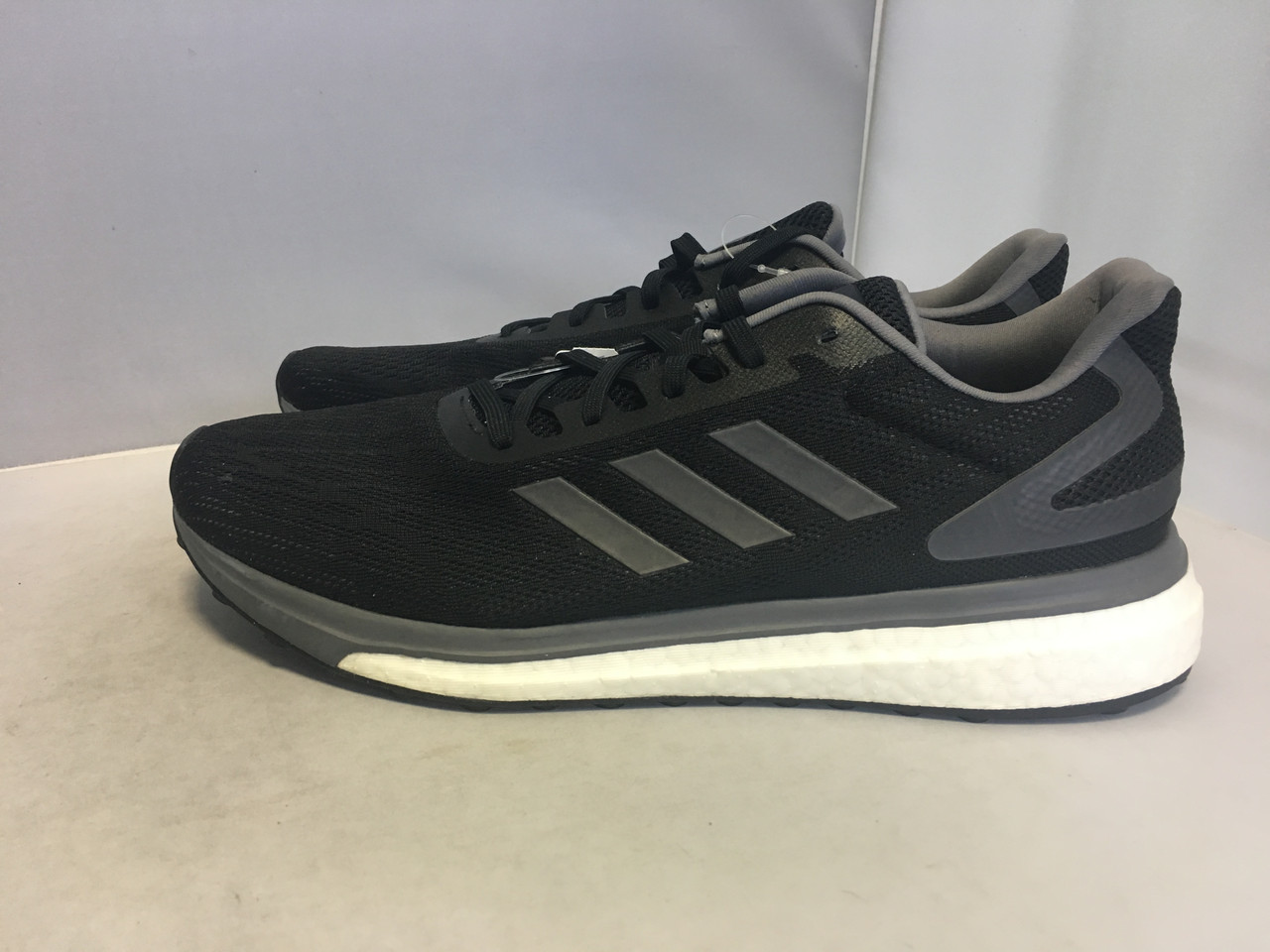 Мужские кроссовки Adidas Boost, 44 размер