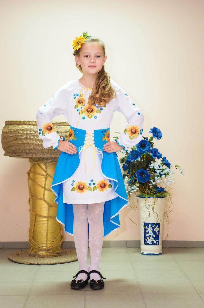 Костюм вишитий Волинські візерунки для дівчинки Соняшник блакитний 116 см
